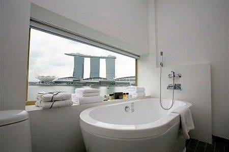 singapores-merlion-transformed-into-hotel_6