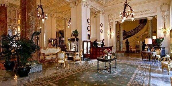 lobby hotel du palais