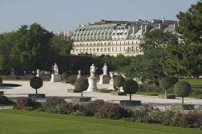 Le-Meurice-Hotel-facade-view-from-the-Tuileries-Garden-Paris