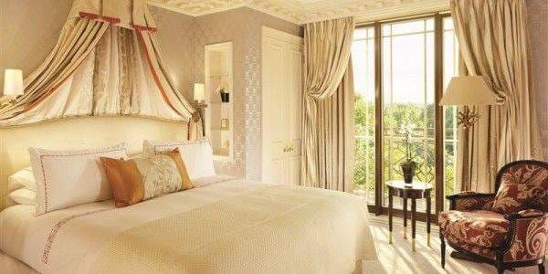 Park Suite – main bedroom sunlight summer version