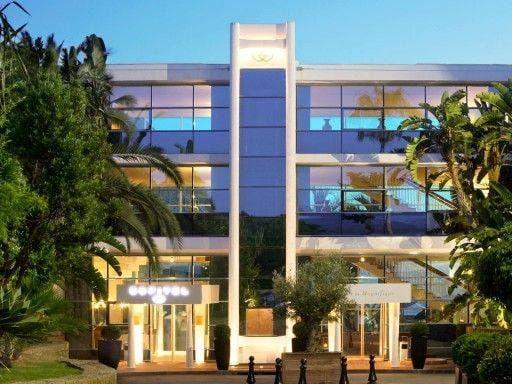 Sofitel Luxe hotel
