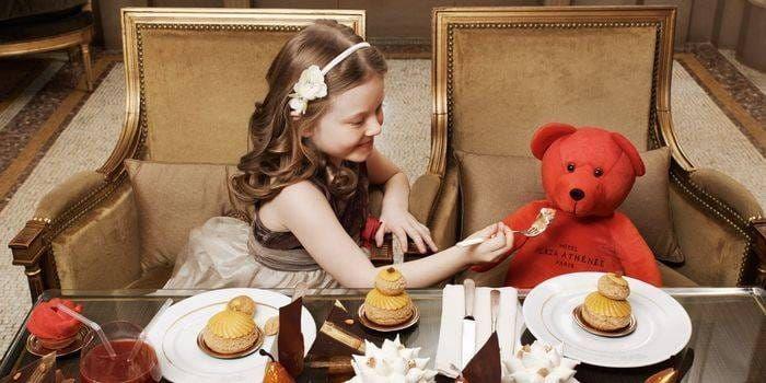 Les repas de Bébé et petit enfant à l'hôtel