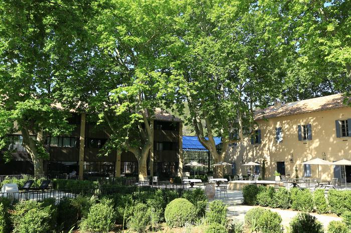 Domaine-Manville-facade